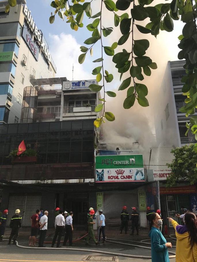 Cháy nhà mặt tiền số 42 Cách  Mạng Tháng 8, quận 3- TP HCM - Ảnh 5.