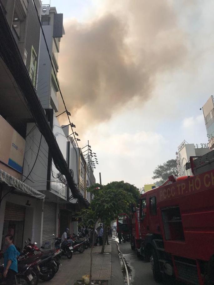 Cháy nhà mặt tiền số 42 Cách  Mạng Tháng 8, quận 3- TP HCM - Ảnh 6.