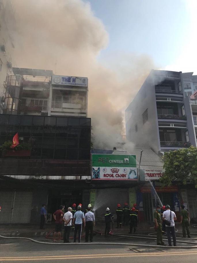 Cháy nhà mặt tiền số 42 Cách  Mạng Tháng 8, quận 3- TP HCM - Ảnh 7.