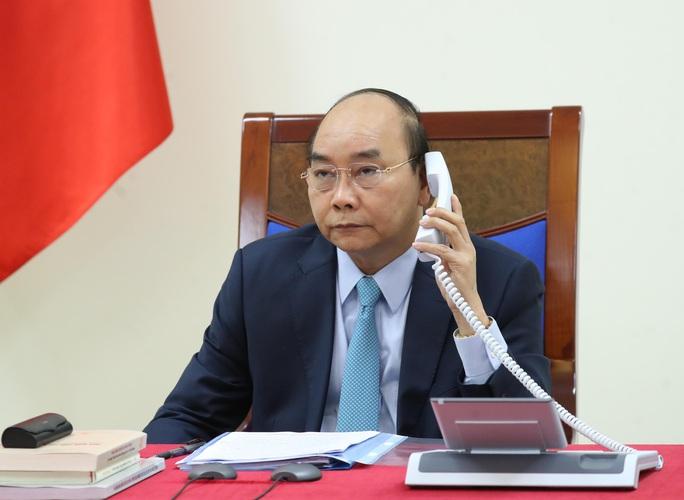 Thủ tướng Nguyễn Xuân Phúc điện đàm, mời Thủ tướng Thụy Điển thăm Việt Nam - Ảnh 1.