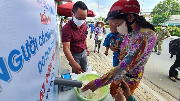 ATM gạo đã có mặt tại Cần Thơ, Long An - Ảnh 5.