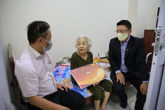 Mai Vàng nhân ái hỗ trợ nghệ sĩ Mạc Can, Kim Giác, Chấn Đạt trong dịch Covid -19 - Ảnh 1.