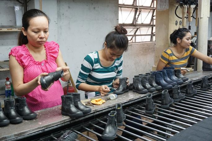 Hơn 22 triệu lao động Việt Nam dễ mất việc do dịch Covid-19 - Ảnh 3.