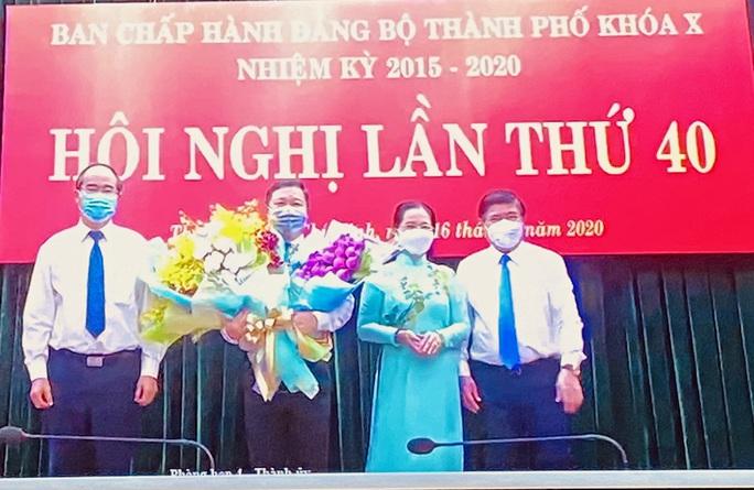 Trao quyết định phê chuẩn Phó Chủ tịch UBND TP HCM đối với ông Dương Anh Đức - Ảnh 1.