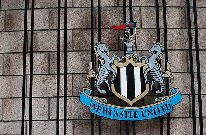 Người bí ẩn phía sau các thương vụ mua bán Man City, Newcastle - Ảnh 8.