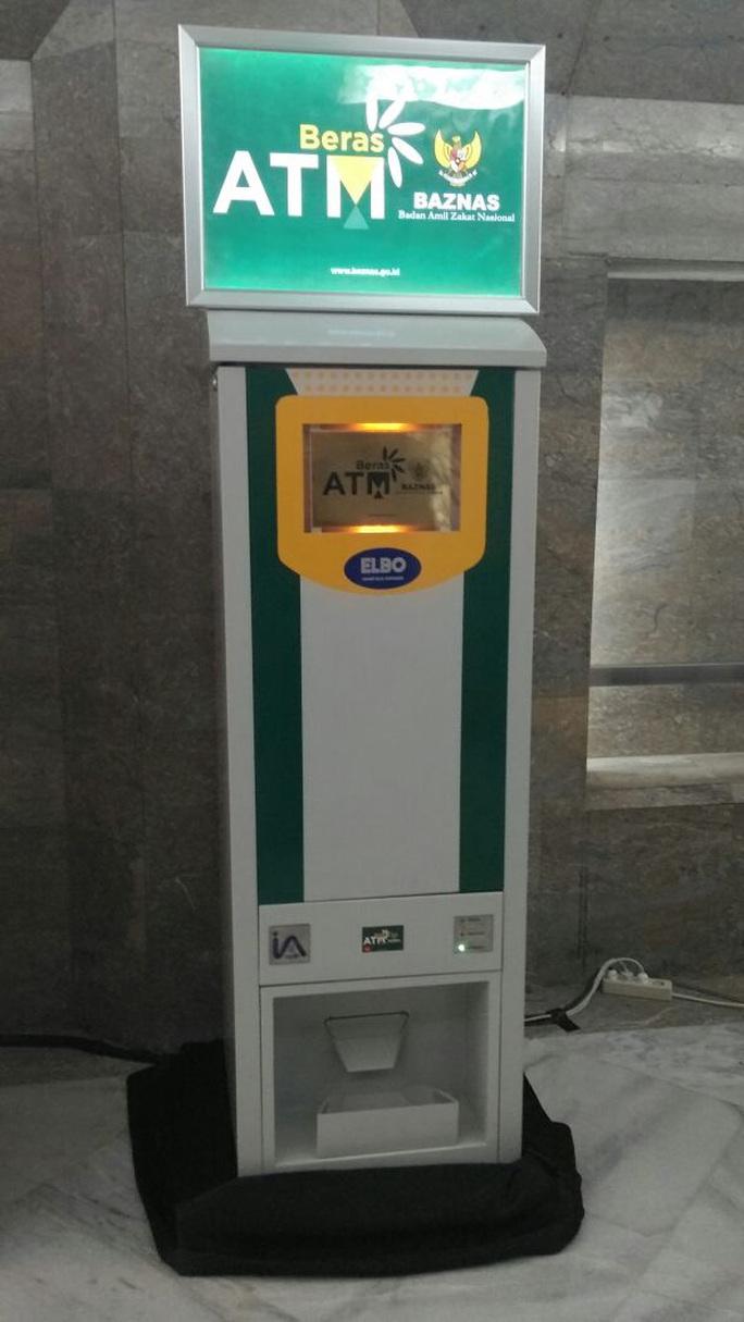 Sau Việt Nam, Indonesia lắp ATM gạo hỗ trợ người nghèo giữa dịch Covid-19 - Ảnh 1.