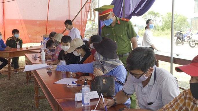 Quảng Nam - Thừa Thiên- Huế: Tiếp tục siết các hoạt động chống dịch - Ảnh 2.