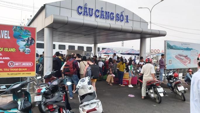 Tin vui đến với hành khách ra vào Phú Quốc sau thời gian cách ly xã hội - Ảnh 1.