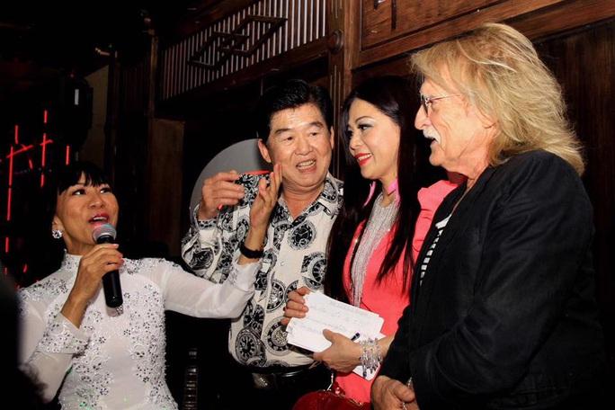 Ca sĩ Lệ Thu Nguyễn thương tiếc danh ca Christophe qua đời đột ngột - Ảnh 4.
