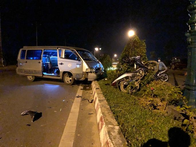 Bị tai nạn giao thông nguy kịch, gọi 115 không nghe máy: Bệnh viện nói gì? - Ảnh 1.