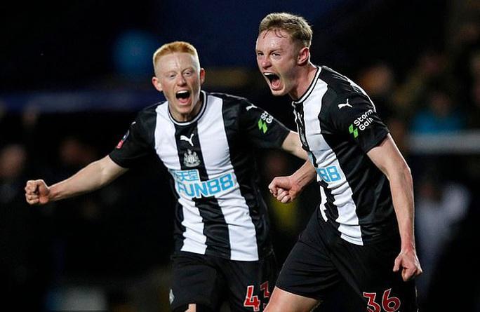 Ông chủ mới của Newcastle giàu nhất giải Ngoại hạng Anh - Ảnh 8.
