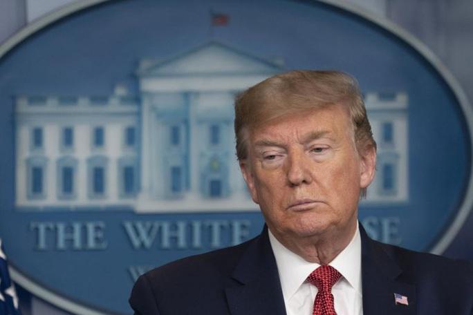 Khảo sát: Ông Donald Trump quá chậm phản ứng với đại dịch - Ảnh 1.
