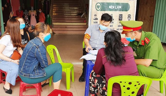 Covid-19: Quảng Nam phạt 136 tổ chức, cá nhân gần 386 triệu đồng - Ảnh 2.