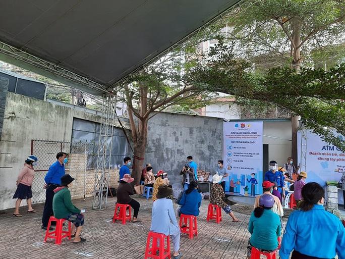 3 ATM gạo cho người khó khăn ở Đồng Nai - Ảnh 3.