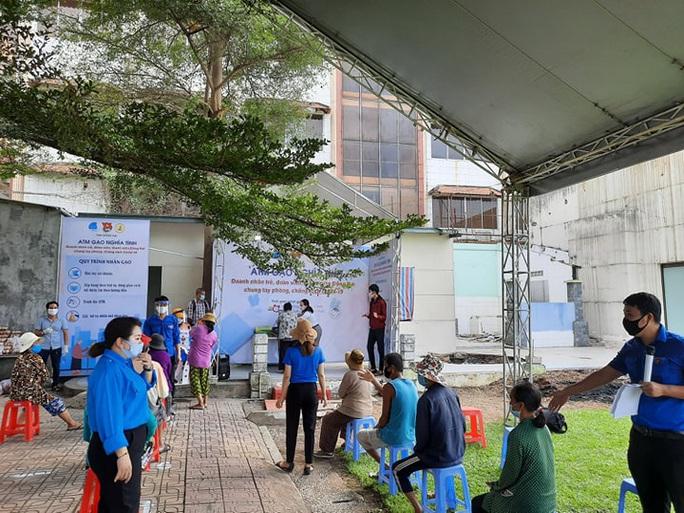 3 ATM gạo cho người khó khăn ở Đồng Nai - Ảnh 4.