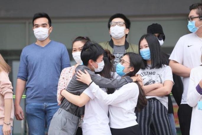 Nhìn lại 15 ngày Việt Nam cách ly xã hội ghìm cương dịch Covid-19 - Ảnh 13.