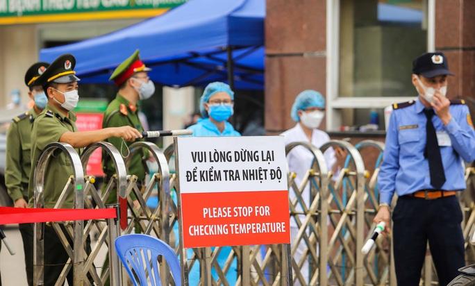 Nhìn lại 15 ngày Việt Nam cách ly xã hội ghìm cương dịch Covid-19 - Ảnh 5.