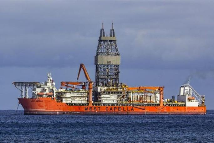 Tàu Hải Dương 8 của Trung Quốc theo đuôi tàu thăm dò Malaysia - Ảnh 1.