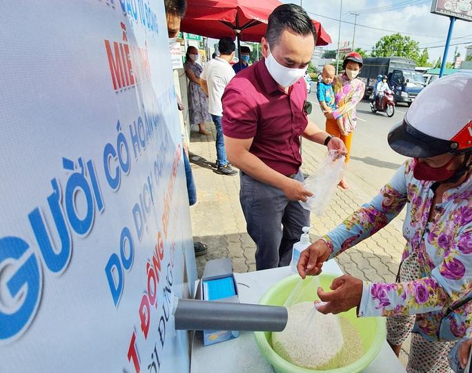 Cần Thơ: Nhân rộng ATM gạo phục vụ công nhân, người nghèo - Ảnh 1.
