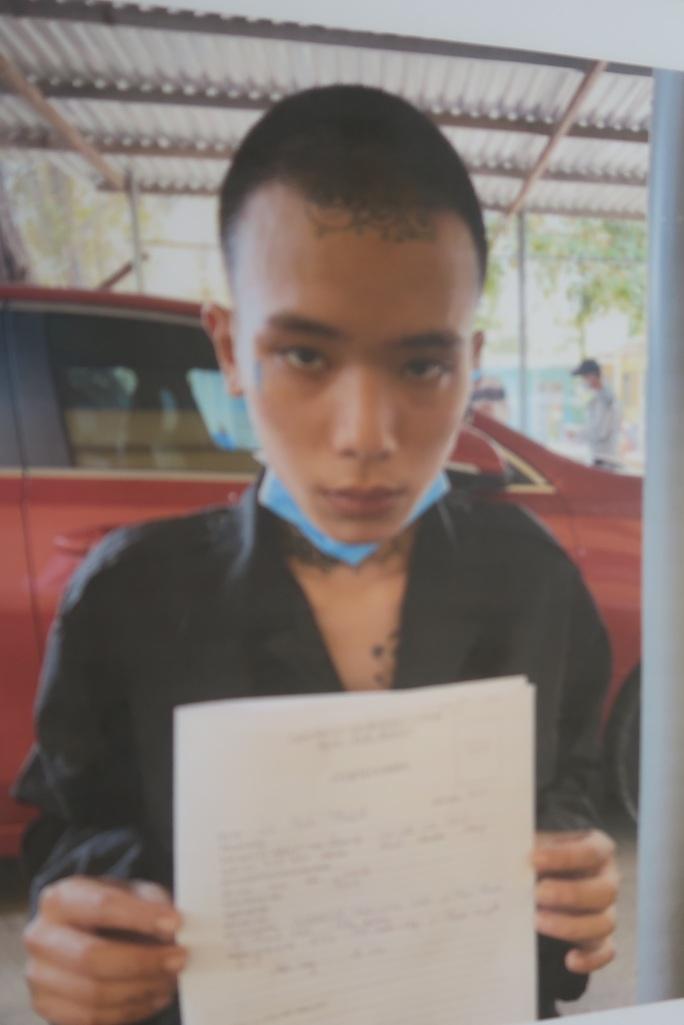 Bắt 2 kẻ lột đồ cô gái rồi cướp xe ở Bình Thạnh, TP HCM - Ảnh 3.