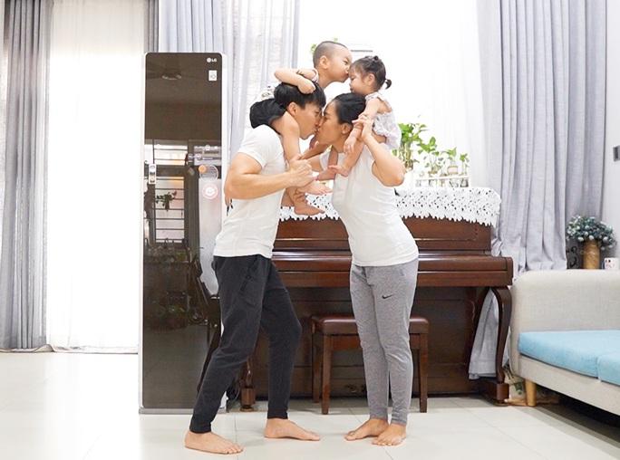Gia đình hoàng tử xiếc Quốc Nghiệp chộn rộn cách ly tại nhà - Ảnh 2.