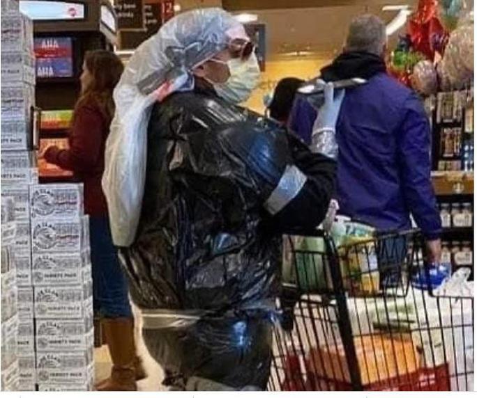 Thế giới kỳ lạ của những người đi siêu thị trong đại dịch Covid-19 - Ảnh 3.