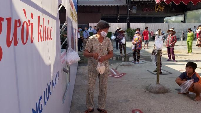 """""""ATM gạo"""" giúp mát lòng người nghèo vùng hạn mặn ở Cà Mau, Bạc Liêu và Kiên Giang - Ảnh 31."""