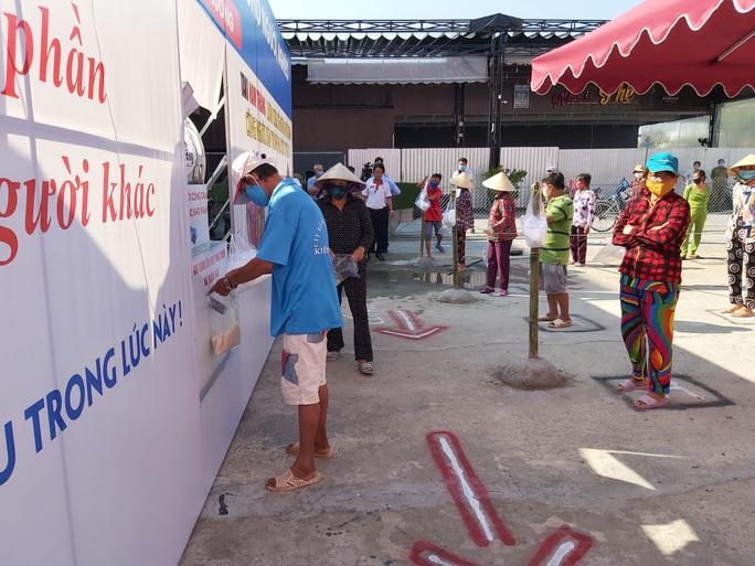"""""""ATM gạo"""" giúp mát lòng người nghèo vùng hạn mặn ở Cà Mau, Bạc Liêu và Kiên Giang - Ảnh 32."""