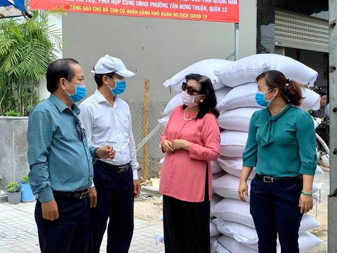 NSND Kim Cương hỗ trợ người nghèo hạt gạo yêu thương - Ảnh 2.