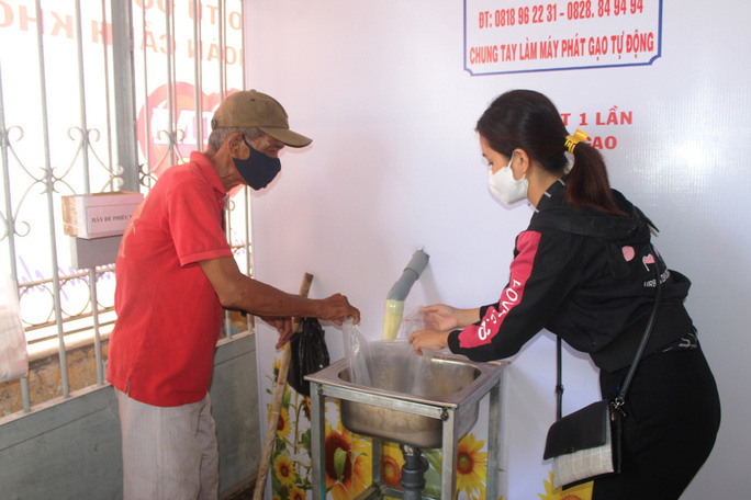 """""""ATM gạo"""" giúp mát lòng người nghèo vùng hạn mặn ở Cà Mau, Bạc Liêu và Kiên Giang - Ảnh 19."""