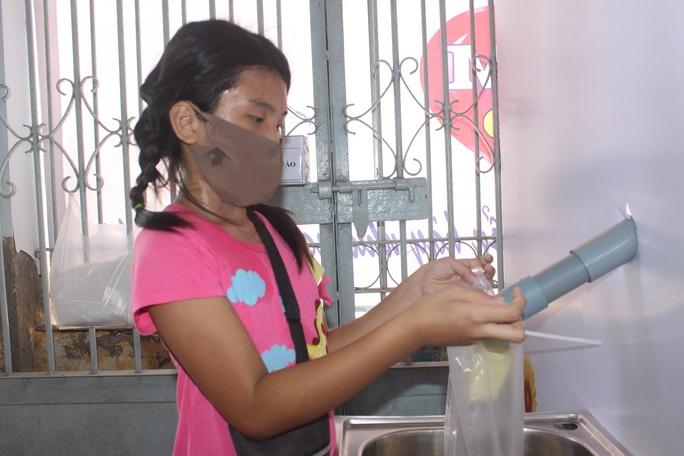 """""""ATM gạo"""" giúp mát lòng người nghèo vùng hạn mặn ở Cà Mau, Bạc Liêu và Kiên Giang - Ảnh 22."""