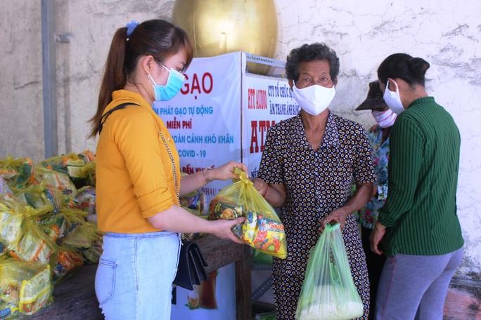 """""""ATM gạo"""" giúp mát lòng người nghèo vùng hạn mặn ở Cà Mau, Bạc Liêu và Kiên Giang - Ảnh 23."""