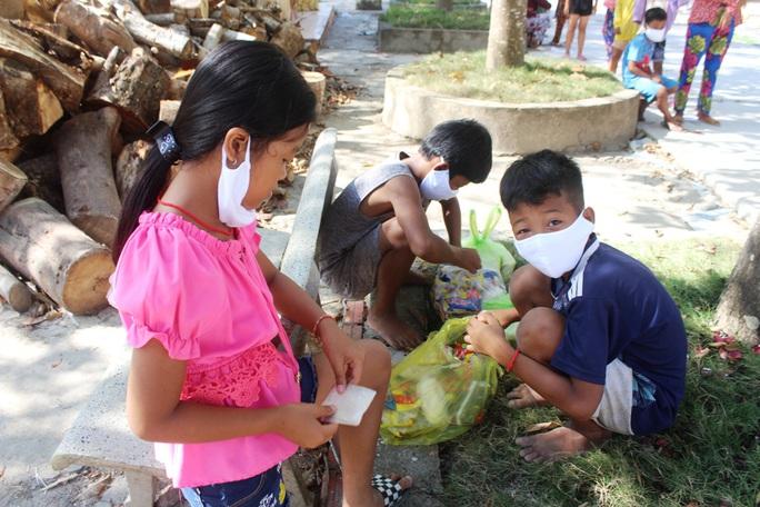"""""""ATM gạo"""" giúp mát lòng người nghèo vùng hạn mặn ở Cà Mau, Bạc Liêu và Kiên Giang - Ảnh 25."""