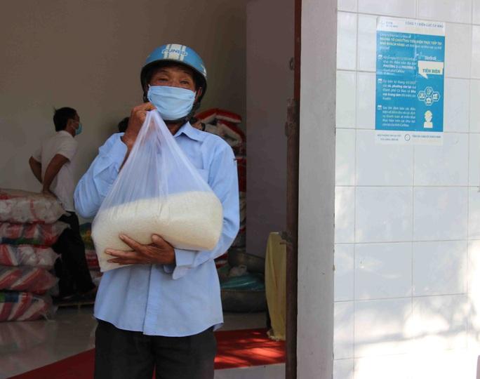 """""""ATM gạo"""" giúp mát lòng người nghèo vùng hạn mặn ở Cà Mau, Bạc Liêu và Kiên Giang - Ảnh 4."""