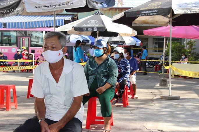 """""""ATM gạo"""" giúp mát lòng người nghèo vùng hạn mặn ở Cà Mau, Bạc Liêu và Kiên Giang - Ảnh 10."""