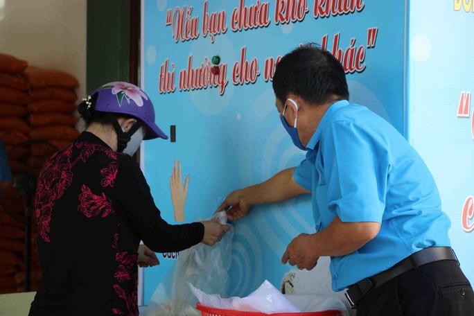 """""""ATM gạo"""" giúp mát lòng người nghèo vùng hạn mặn ở Cà Mau, Bạc Liêu và Kiên Giang - Ảnh 11."""