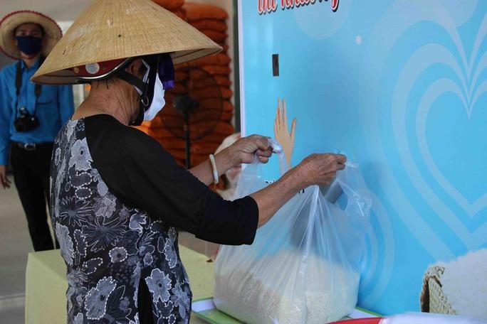 """""""ATM gạo"""" giúp mát lòng người nghèo vùng hạn mặn ở Cà Mau, Bạc Liêu và Kiên Giang - Ảnh 15."""