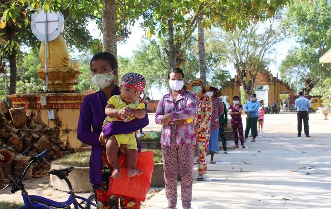"""""""ATM gạo"""" giúp mát lòng người nghèo vùng hạn mặn ở Cà Mau, Bạc Liêu và Kiên Giang - Ảnh 26."""