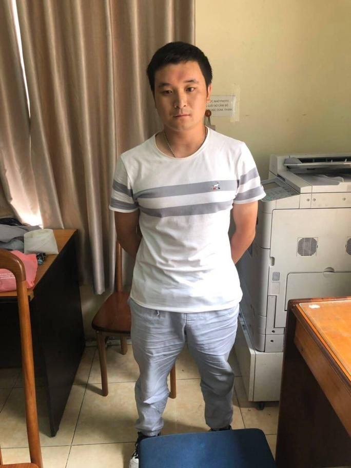 Công an TP HCM bắt nhóm người Trung Quốc cho vay lãi suất cắt cổ - Ảnh 3.