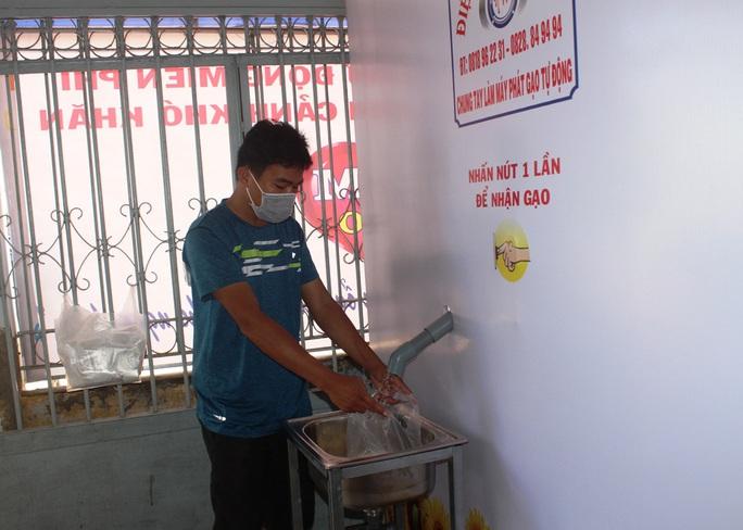 """""""ATM gạo"""" giúp mát lòng người nghèo vùng hạn mặn ở Cà Mau, Bạc Liêu và Kiên Giang - Ảnh 27."""