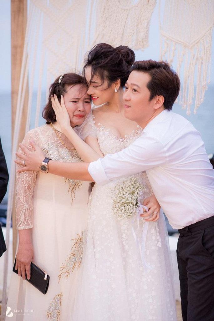 Hết giấu giếm, Trường Giang chính thức khoe con gái - Ảnh 2.