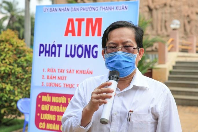 Báo Người Lao Động khai trương ATM thực phẩm miễn phí thứ 2 - Ảnh 8.