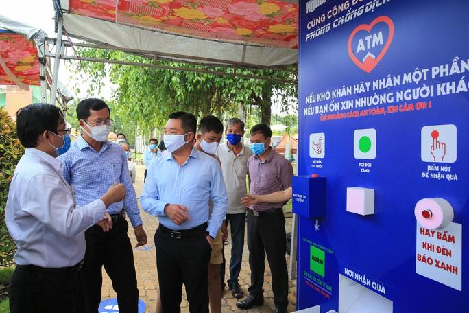 Báo Người Lao Động khai trương ATM thực phẩm miễn phí thứ 2 - Ảnh 3.