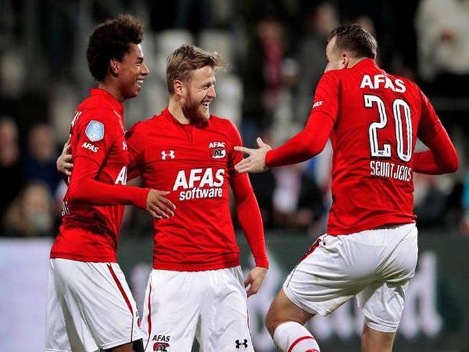 Chính thức: Bóng đá Hà Lan vỡ trận, hủy bỏ mùa giải vô địch Eredivisie - Ảnh 2.