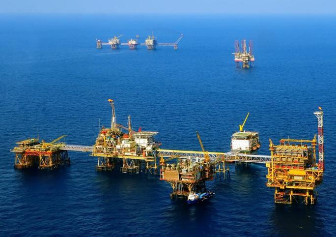 Giá dầu giảm 1 USD/thùng, Tập đoàn Dầu khí Việt Nam bốc hơi 4.600 tỉ đồng - Ảnh 1.