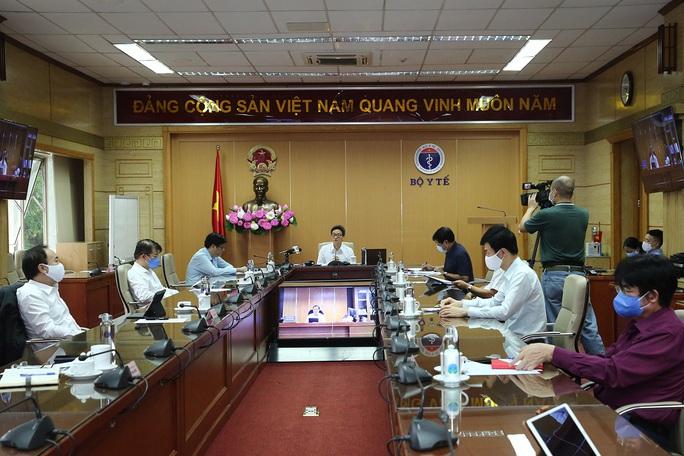 Đề xuất Hà Nội vẫn ở nhóm nguy cơ cao, TP HCM xuống nhóm có nguy cơ - Ảnh 2.