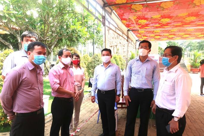 Báo Người Lao Động khai trương ATM thực phẩm miễn phí thứ 2 - Ảnh 5.