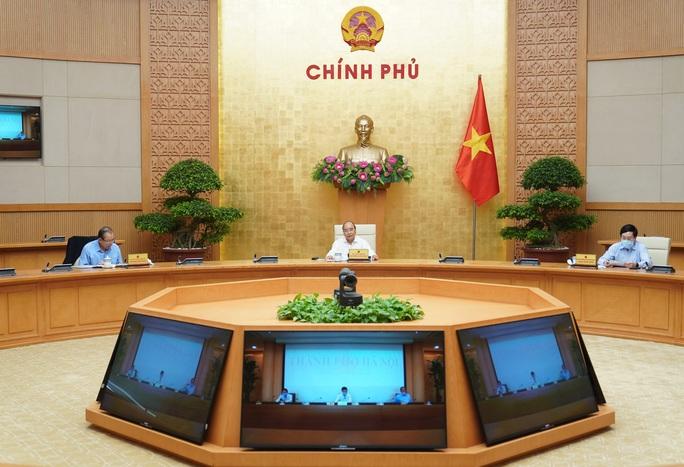 Thủ tướng chủ trì họp Thường trực Chính phủ quyết về giãn cách xã hội sau ngày 22-4 - Ảnh 1.