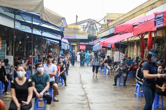 Sáng đầu tiên nới giãn cách xã hội, Việt Nam không có ca mắc Covid-19 mới - Ảnh 1.
