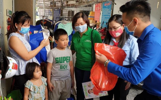 """Nutifood đồng hành cùng chương trình """"1 triệu ly sữa"""" cho trẻ em nghèo - Ảnh 1."""